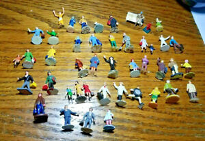 HO Scale People Lot Of 35, Varied condition