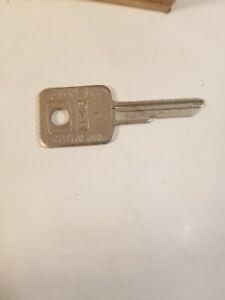 NOS Curtis Inc 1970 GM B46 Ignition Key Blank Qty 1 Oldsmobile Chevrolet Buick