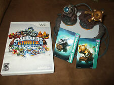 Nintendo Wii Wired Portal of Power, Skylander Giants Game & 2 Figures w/Cards