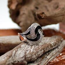 Leo Wittwer 18kt Weißgold Ring mit Diamanten und Emaille