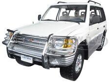 1998 MITSUBISHI MONTERO LONG 3.5 V6 WHITE 1/18 DIECAST MODEL CAR SUNSTAR 1228