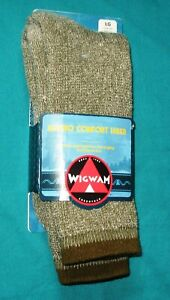Wigwam Merino Comfort Hiker Socks, 67% Merino Wool   Color: Olive -85a