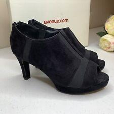 AVENUE Black Platform Open Toe Heels Size 9W Vegan Suede
