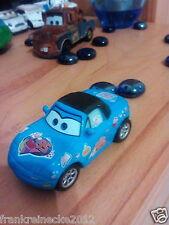 Disney Pixar Cars Fan Tia Dinoco 2435 EAA Maßstab 1:55