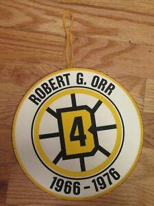 """Rare BOBBY ORR #4 BOSTON BRUINS 1966-76 Retirement YELLOW 8"""" Banner"""