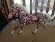 BREYER Collector Club Holiday Special Run - Holly - Red - #712166 - Flash Mold A