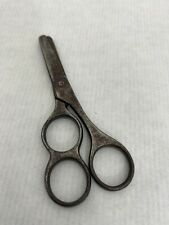 Ancienne paire de ciseaux de broderie-couture n° 15 trois doigts