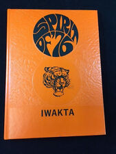 1976 MORRIS HIGH SCHOOL IWAKTA, MORRIS, MN YEARBOOK
