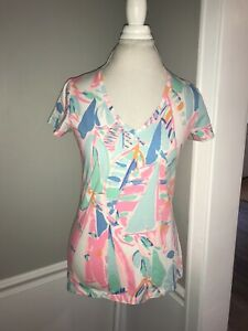 LILLY PULITZER Michele V Neck Top Blouse Sailboats Pink Blue Out To Sea Tee MED
