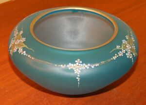 ANTIQUE BLUE SATIN GLASS BOWL HAND ENAMELED FLOWER DECORATION GOLD TRIM VASE