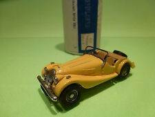 AUTO REPLICAS   MORGAN PLUS 8   - METAL BUILT KIT 1:43  - GOOD CONDITION