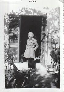 Vintage FOUND PHOTOGRAPH bw FREE SHIPPING Original Snapshot 83 30