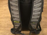 NIKE AIR MAX PRO HEAT BACKPACK SCHOOL BAG GREY NEW WITH TAGS