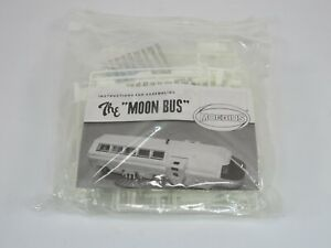 Moebius Models Moon Bus 2001 A Space Odyssey 1:55 Scale Model Kit #2001-1 Parts