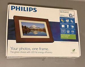 Phillips 10.1 Digital Photo Frame Walnut Wood Frame