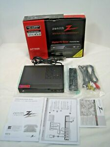 Zenith DTT900 Digital TV Tuner Converter Box with Instructions Cables & Remote