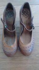 New NWOT VINTAGE Ladies Clarks 1950s Style Brown Leather Court Shoes Round Toe