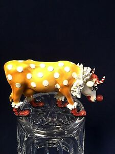 """Cow Parade """"""""You Can't have a Parade without a Clown"""" #9128 Yr 2000 Cow Figurine"""