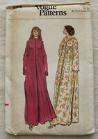 Vintage Dress Sewing Pattern*Vogue 9305*Size 12*UNCUT/FF*hooded*long*loose*70s