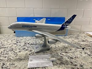 Hogan 1:200 AIRBUS A380 House Colors (early 2000's)  Plastic snap-fit Model