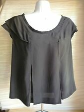 Miu Miu sz 40 Italy black cap sleeve free flowing top keyhole back all silk