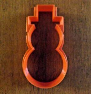 emporte pièce bonhomme de neige rouge imprimé 3D PLA environ 11,1 x 6,3 x 2,3 cm