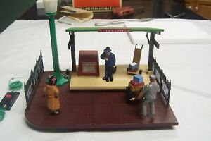 LIONEL # 12791 OPERATING PASSENGER STATION EXCELLENT