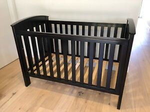 Boori Country Collection Classic Convertible Cot / English Oak Toddler Bed