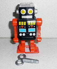 Fame Master Enterprise SPACE ROBOT WIND UP WALKER/PENCIL SHARPENER 2005 *EX-NM