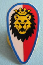 LEGO 2586p4d @@ Minifig, Shield Ovoid with Lion Head, Red and White Background