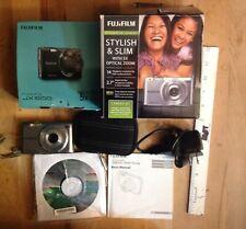 Fujifilm FinePix JX500 14.0MP Digital Camera  With a case