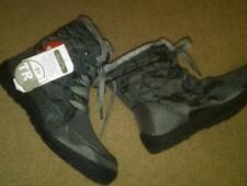 NEW LADIES GRAY WINTER BOOTS MEMORY FOAM; QUILTED AND TRIMMED WITH FAUX FUR SZ 6