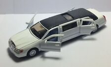 Kinsmart 1999 White Lincoln Town Car Stretch Limousine Scale 1:38 Die Cast Metal