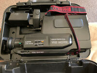 Vintage Solid State CCD VHS Movie Camcorder And Case **FOR PARTS ONLY-READ-AS IS