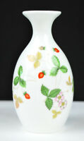 "Wedgwood Wild Strawberry Vase 5"" very nice condition Fine Bone China England"
