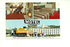 HOTEL MOTEL UNIVERSAL, RIVIERE DU LOUP, QUEBEC, CANADA CHROME POSTCARD