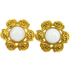 """Authentic CHANEL Vintage CC Logos Imitation Pearl Earrings Clip-On 1.2 """" V13104"""