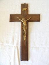 Ancien Crucifix / Christ bois et Metal doré