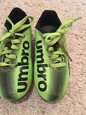 Boys Umbro Athletic Cleats Shoes (soccer) Size 9