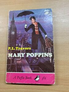 """1965 P L TRAVERS """"MARY POPPINS"""" ILLUSTRATED FICTION PAPERBACK BOOK (P2)"""