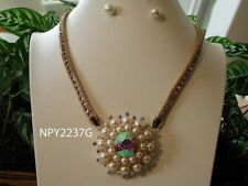 GOLD TONE FAUX  AND CRYSTALS NECKLACE AND EARRINGS SET