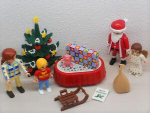 Weihnachten mit geschmückten Baum + Weihnachtsmann ++ Mama mit Kind ++ Playmobil