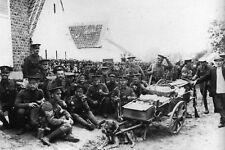 WW1 - Halte dans un village belge des Anglais en retraite en 1914