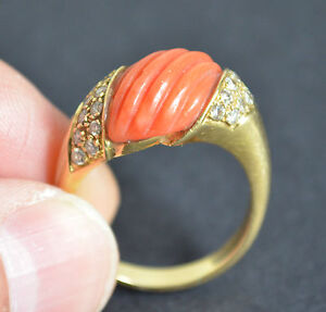 Vintage Coral  Diamond 18 k Yyellow Gold Ring Size S 1/2 Great Gift