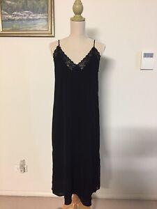 Zara Black Lace Slip Midi Dress V Neck Double lined Size Small (Aus 8-10)