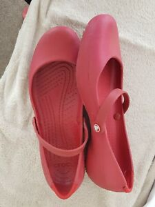 Ladies crocs size 6 used red with bar across front