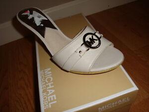 NIB NEW Women Michael Kors Tilly Mule Leather Sandals MK Silver Logo VANILLA 7