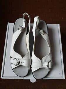 "Brand New Hotter ""Kiwi"" White Sandals Size 8"