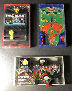 Lot Of VINTAGE TOMY COPTER FIGHT POCKET GAME + PAC MAN + Baseball