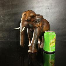 Belle statue d'éléphant vintage 1980's en bois sculpté, origine Asie / Thaïlande
